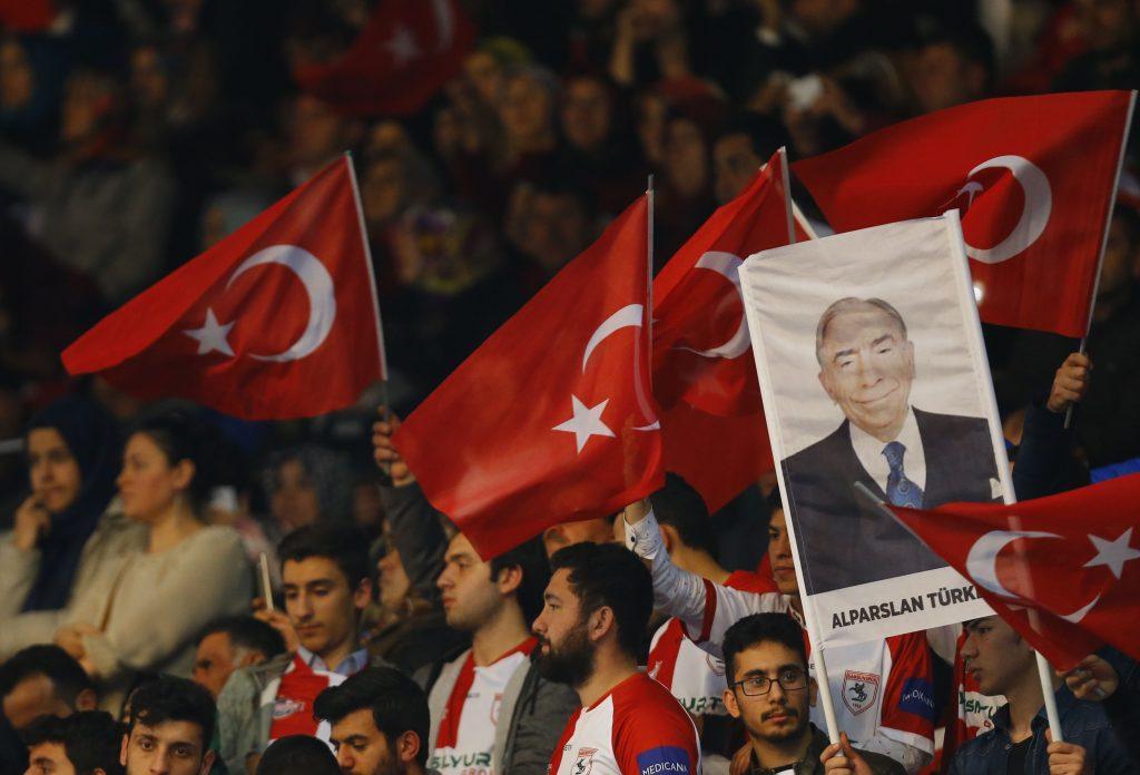 FETÖ çatlıyor; Ak Parti ile MHP elele
