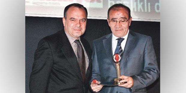 Aydın Doğan İslam düşmanı darbeci Sedat'ı feda etti!